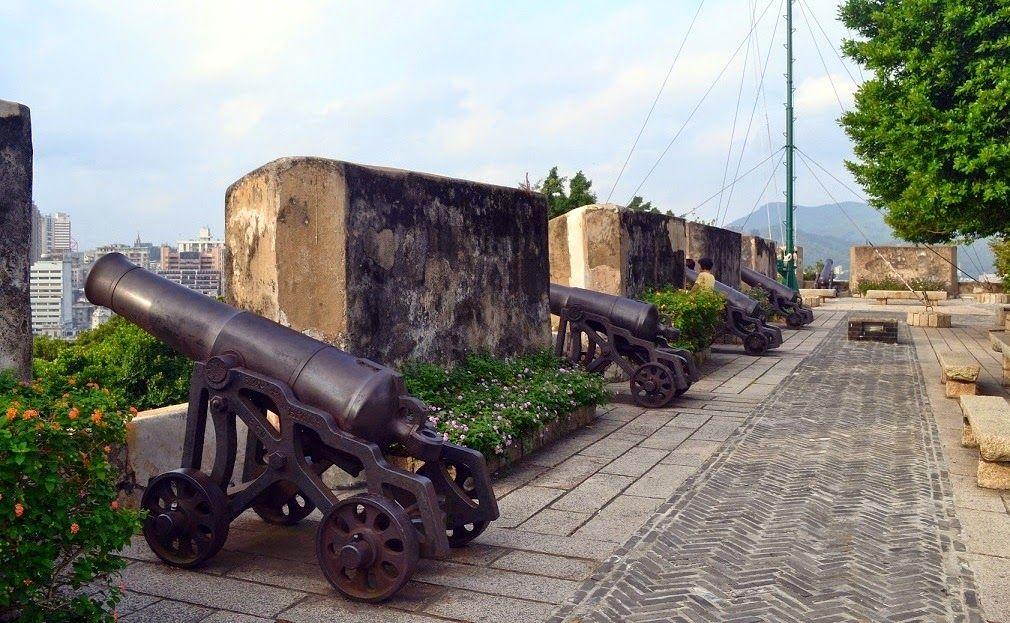 Pháo đài cổ Monte Fort ở Maca