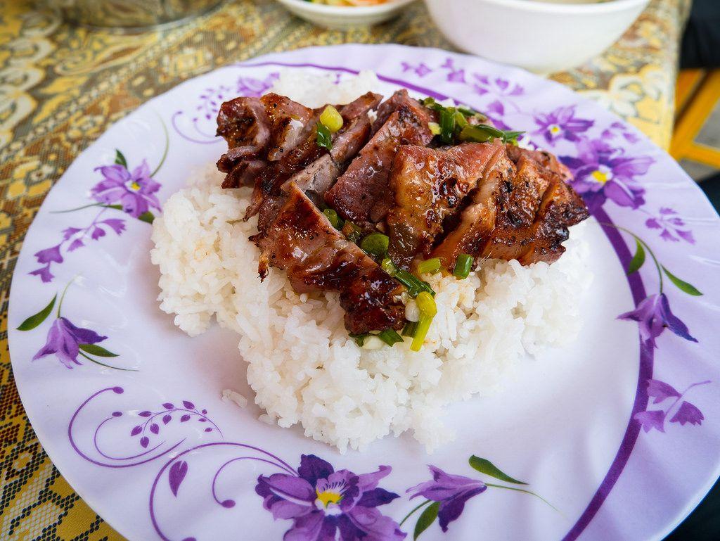 Cơm và thịt lợn