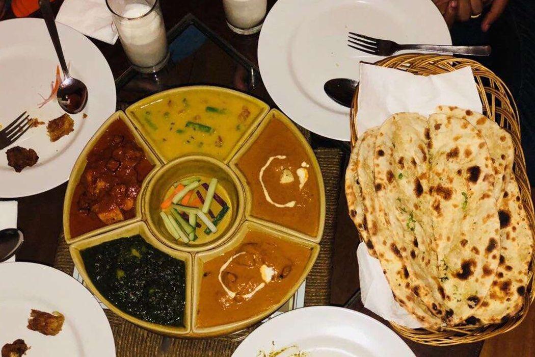 Lagnaa Barefoot Dining