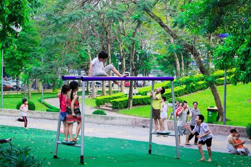 Vui chơi tại công viên Nghĩa Đô