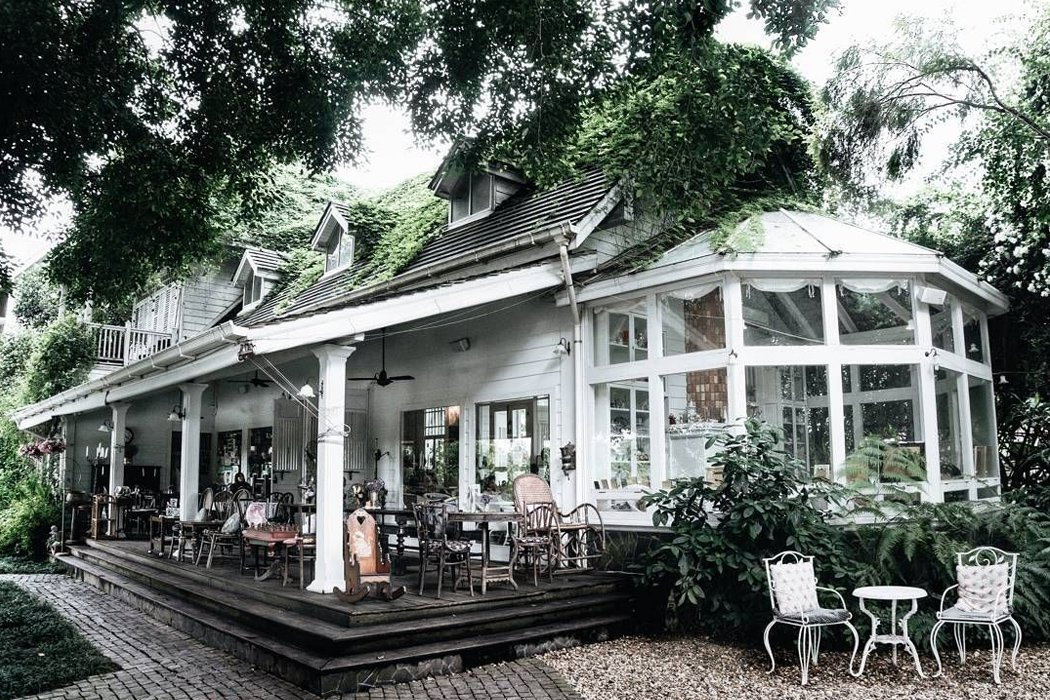 Chivit Thamma Da Coffee House, Bistro & Bar
