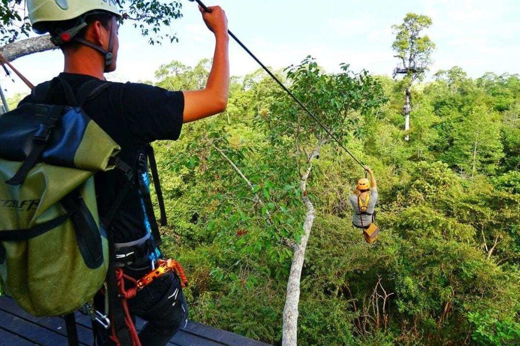 Trải nghiệm cảm giác mạnh với bộ môn Ziplining