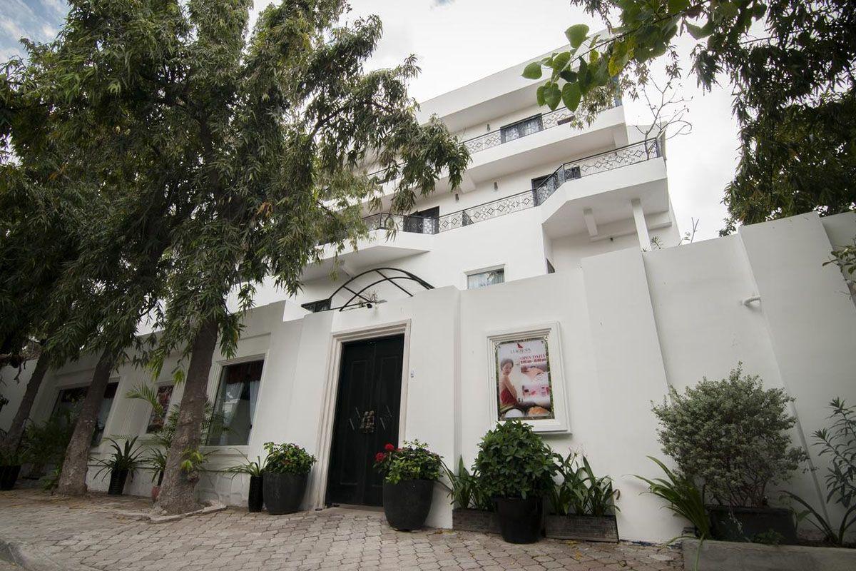 Khách sạn La Rose Suites