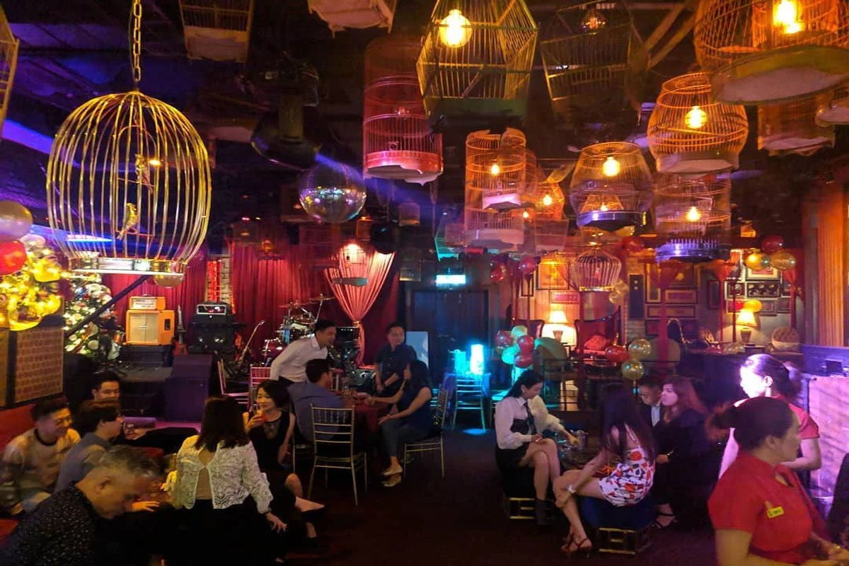 Cuộc sống về đêm ở Khu phố Tàu