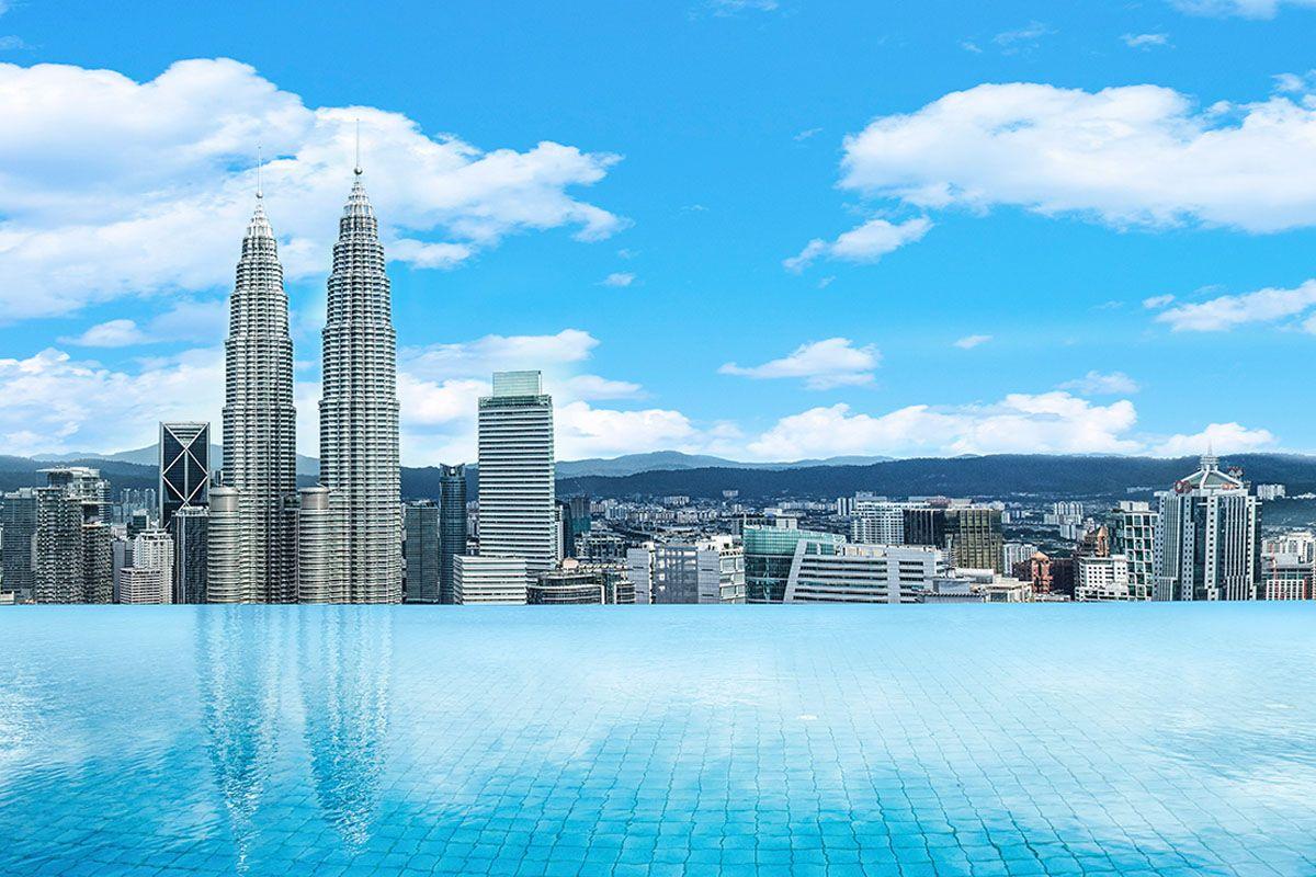 Bể bơi nổi tiếng tại khách sạn The Face Suites