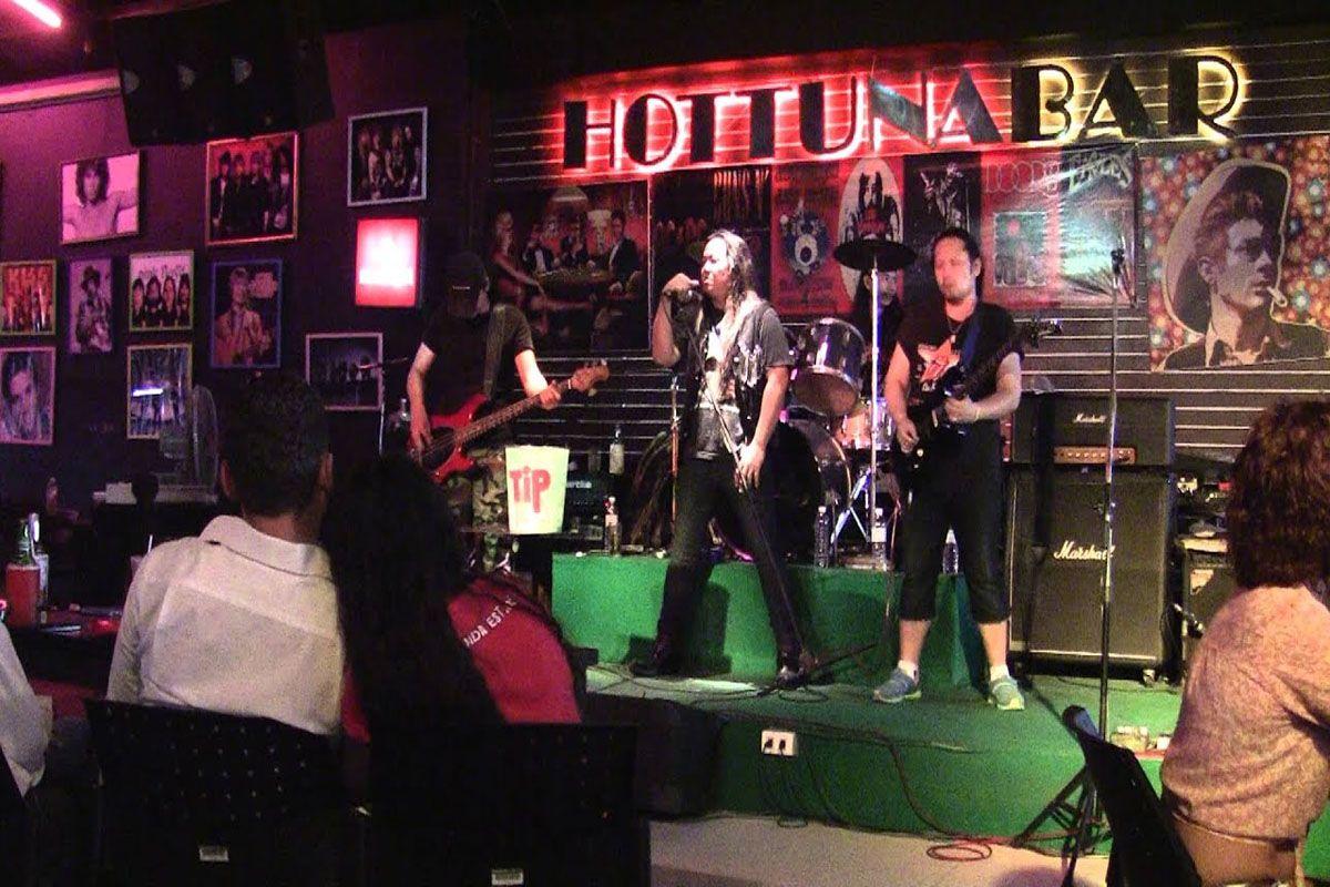 Hot Tuna Bar