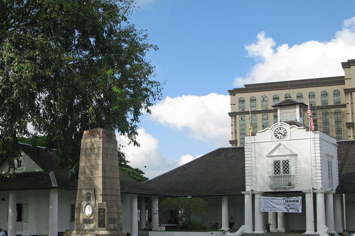 Tháp đồng hồ tưởng niệm Charles Brooke tại Kuching, Sarawak