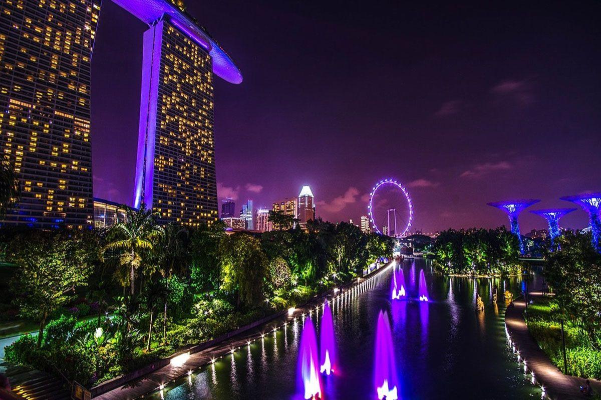 Singapore tháng 8