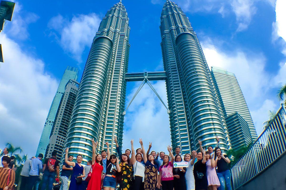 Đi du lịch Malaysia bằng tour
