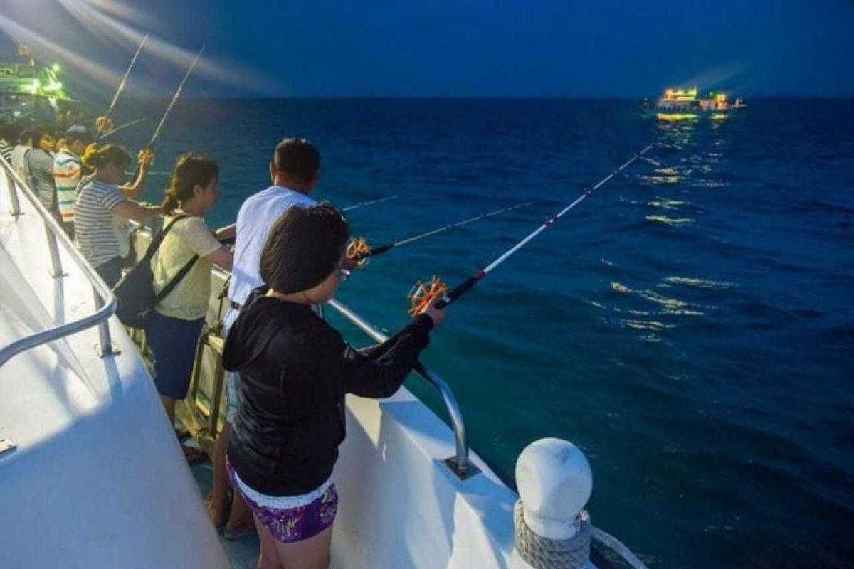 Tour câu mực – câu cá đêm Phú Quốc