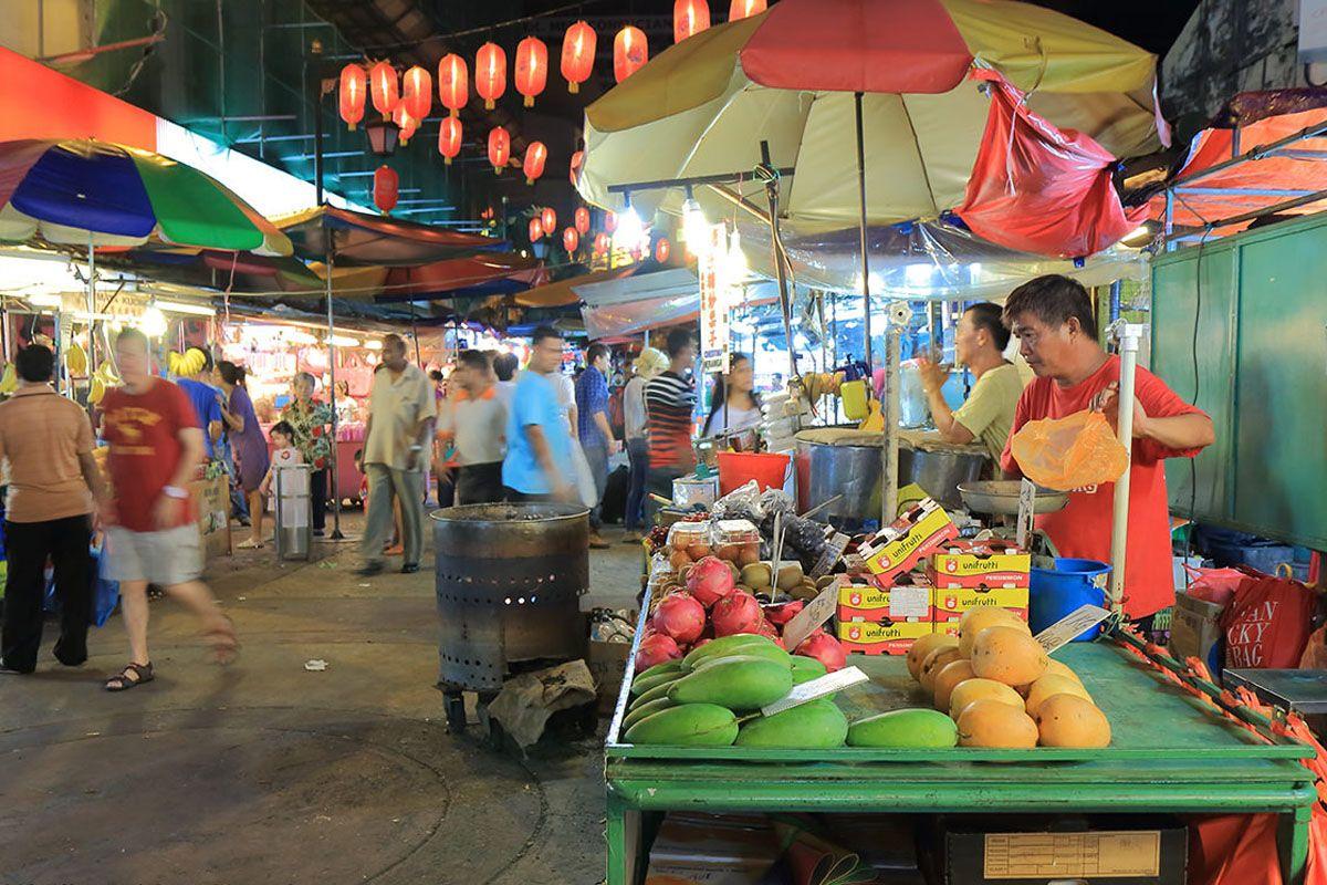 Những gian hàng tại phố Petaling thuộc thủ đô Kuala Lumpur
