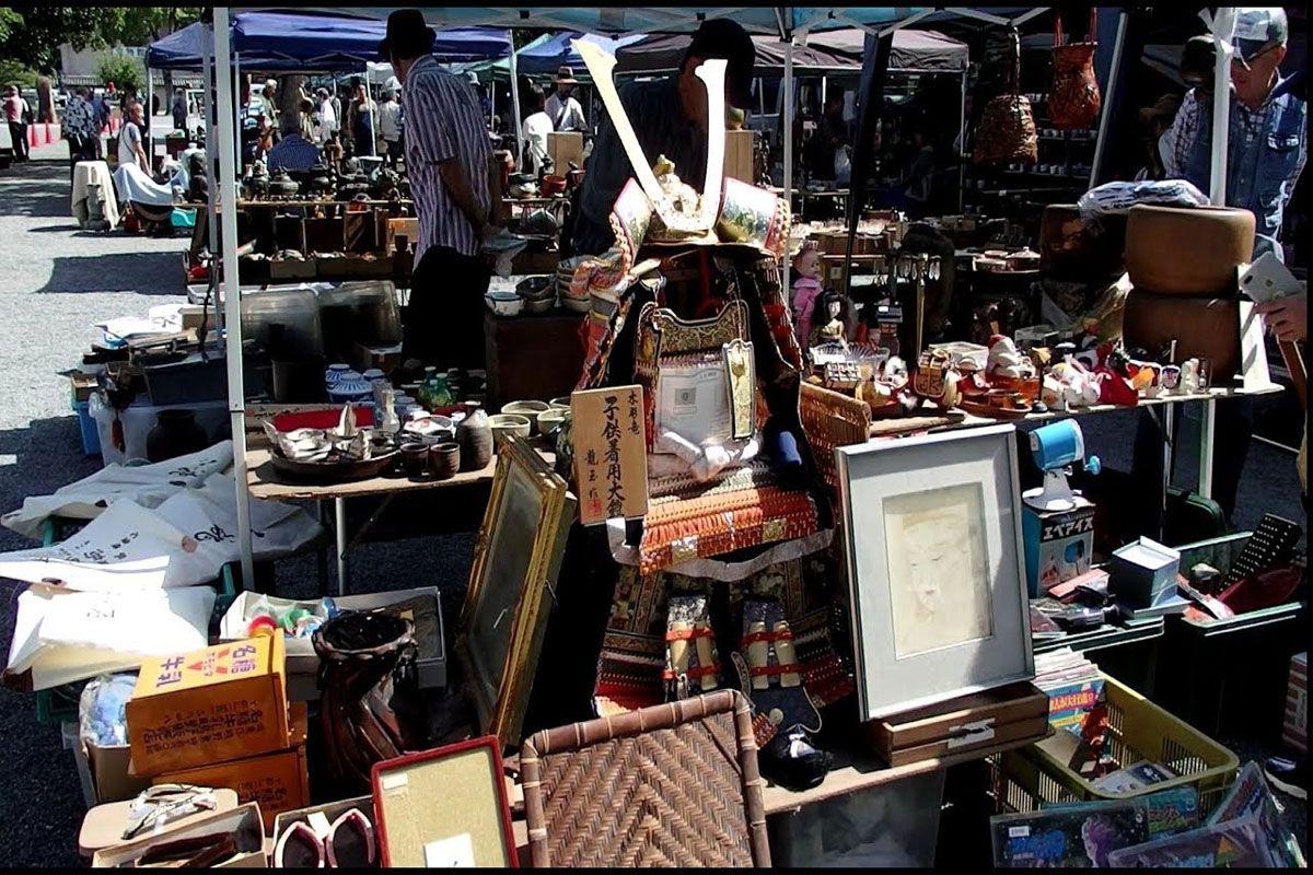 Chợ Trời (Flea Market) tại Đền Toji