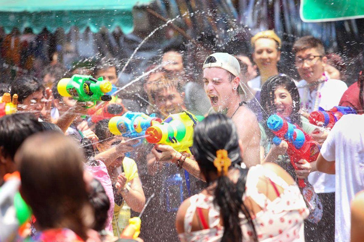 Lễ hội té nước ở Hua Hin