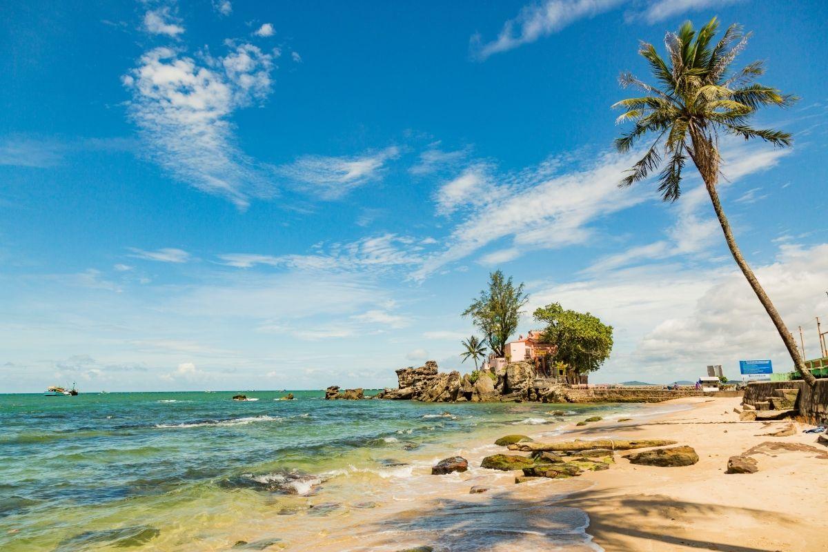 Ngắm cảng và bãi biển Dinh Cậu