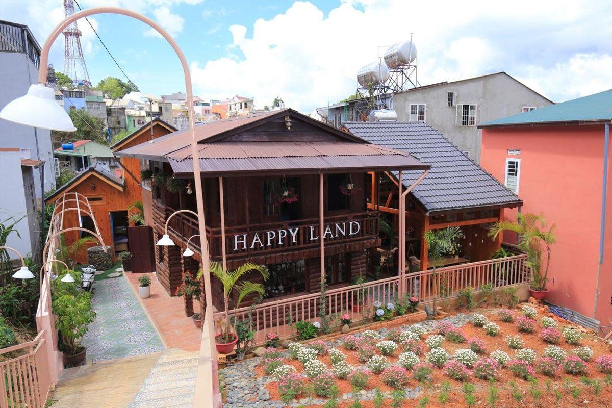 Happy Land homestay & Café