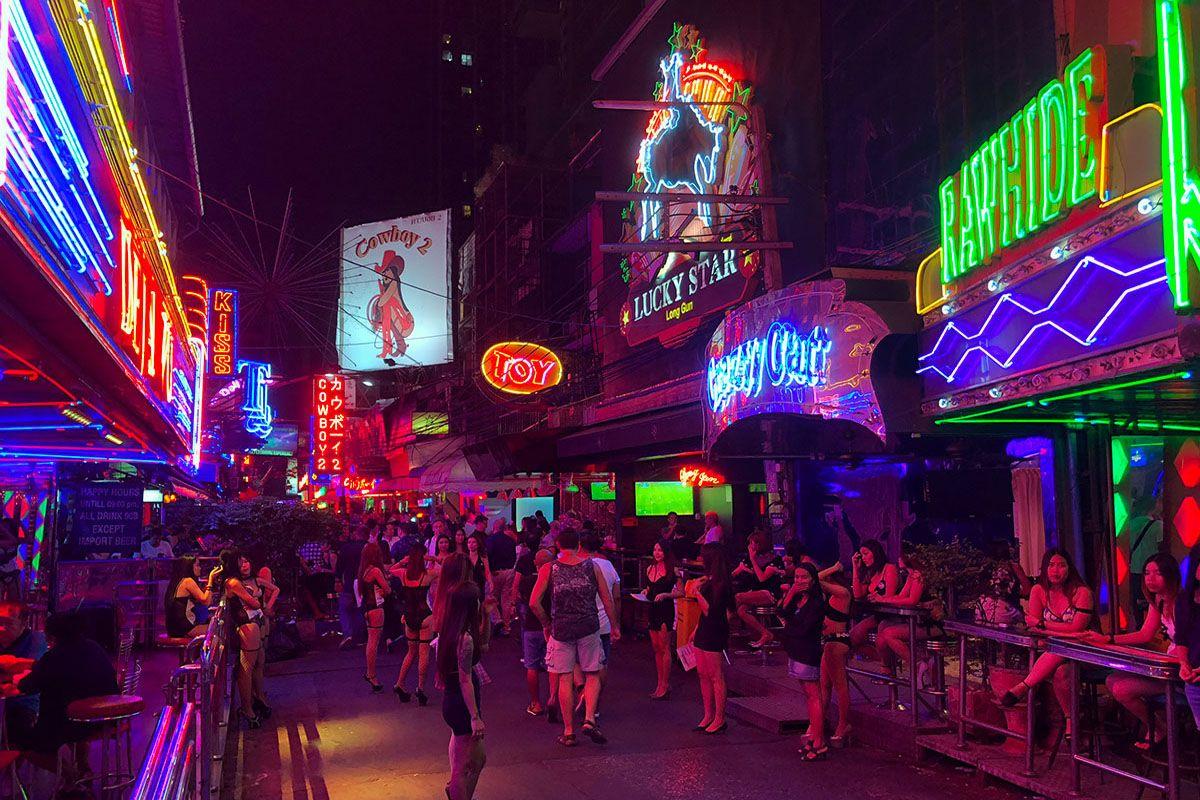 Khu đèn đỏ Pattaya