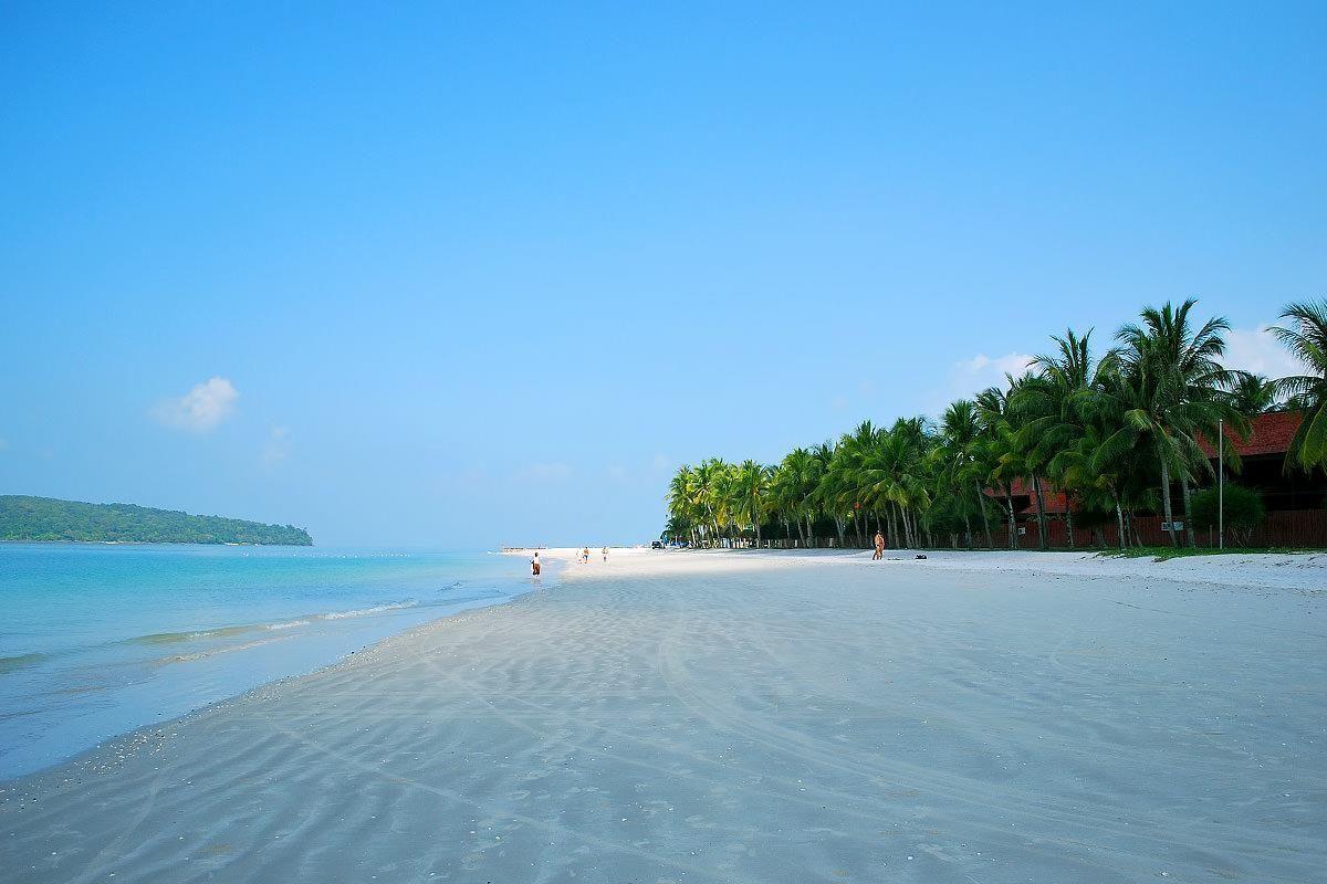Bãi biển Pantai Cenang