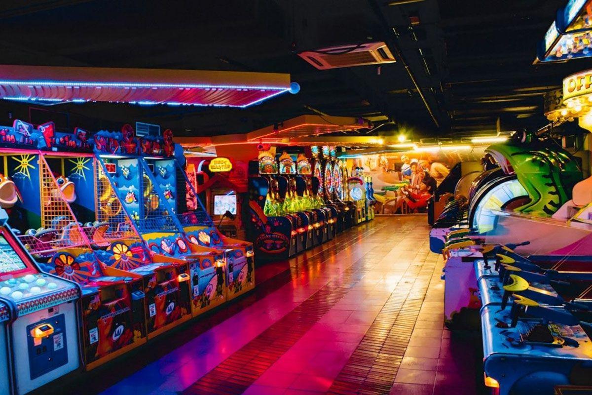Đi đến Arcade tại Quảng trường Thời đại Berjaya