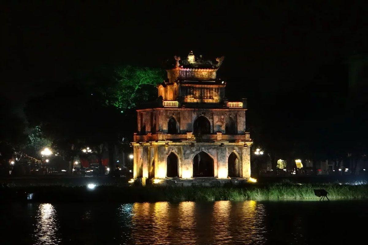 Tháp Rùa - Điểm không thể không checkin khi thăm Hà Nội