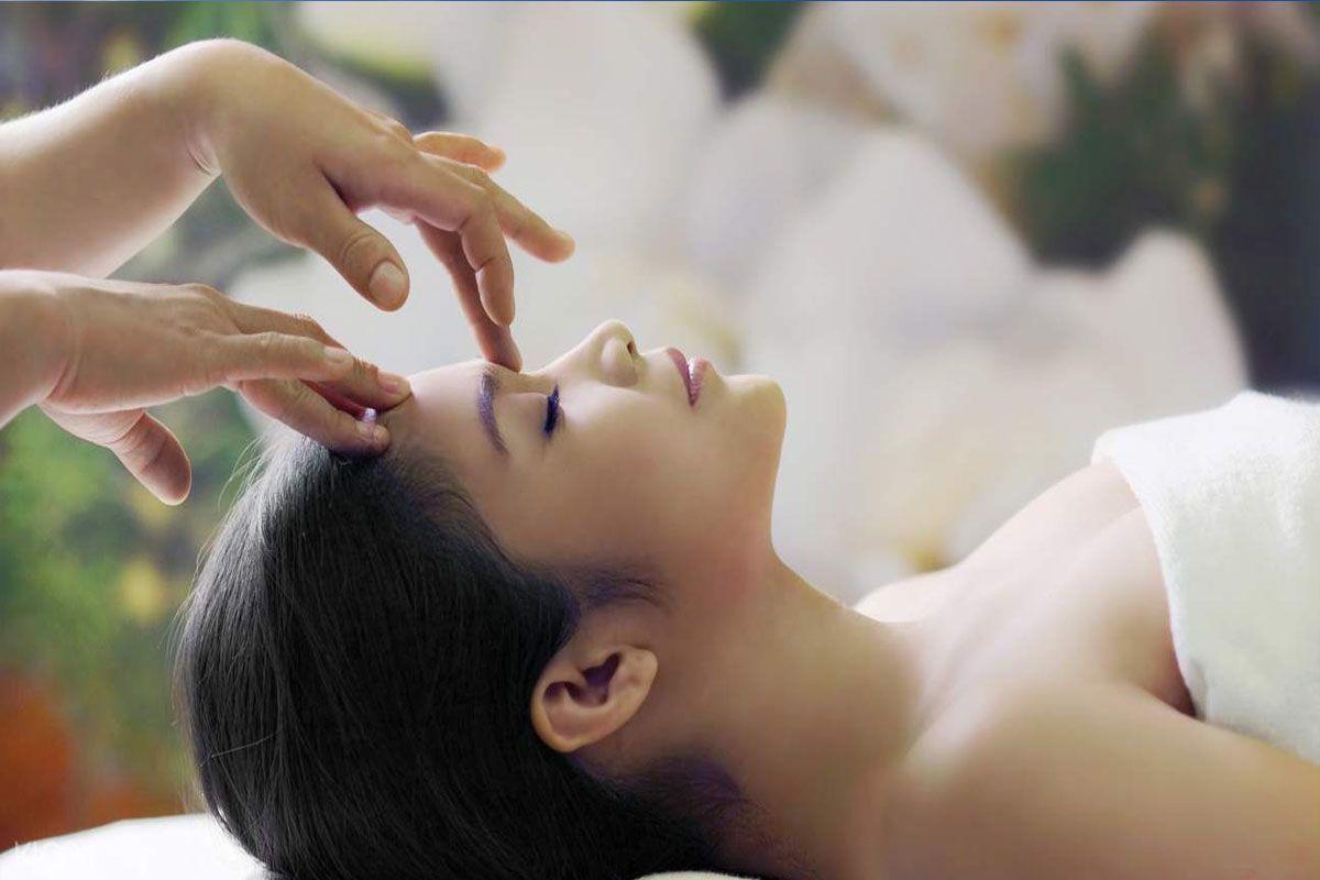 Thư giãn dịch vụ massage của người Thái