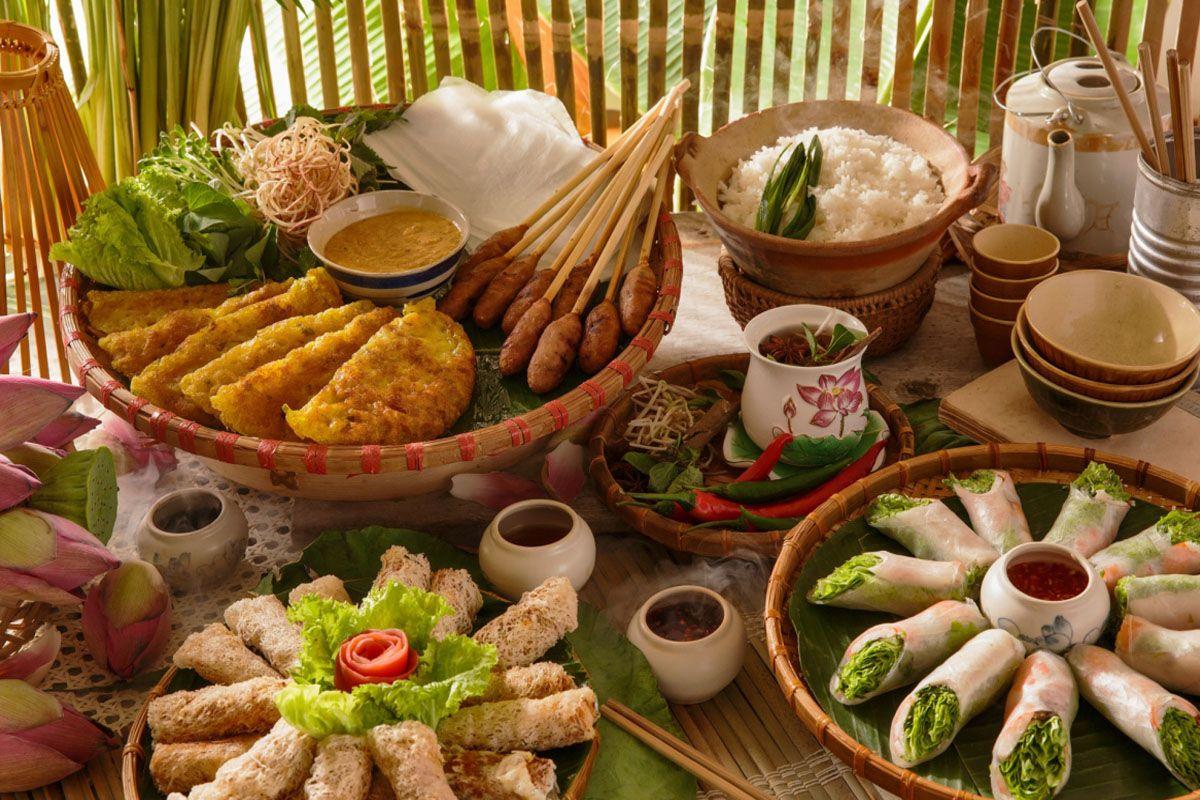 Ẩm thực tại bán đảo Sơn Trà