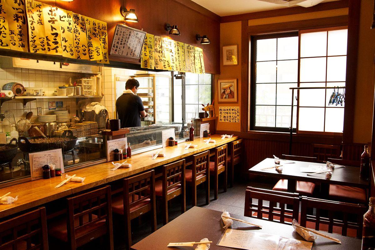 Dùng bữa tại một trong những nhà hàng đặc trưng của Tokyo