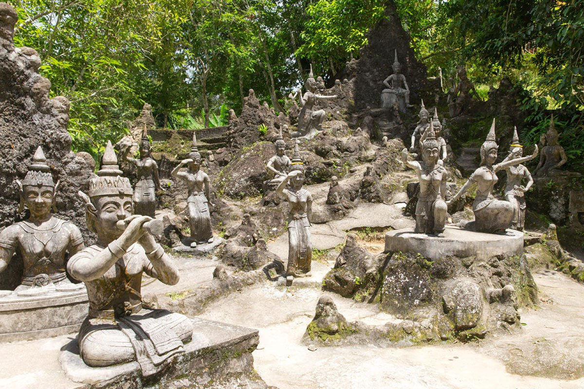 Secret Buddha Garden ( Khu vườn Phật Bí Ẩn)