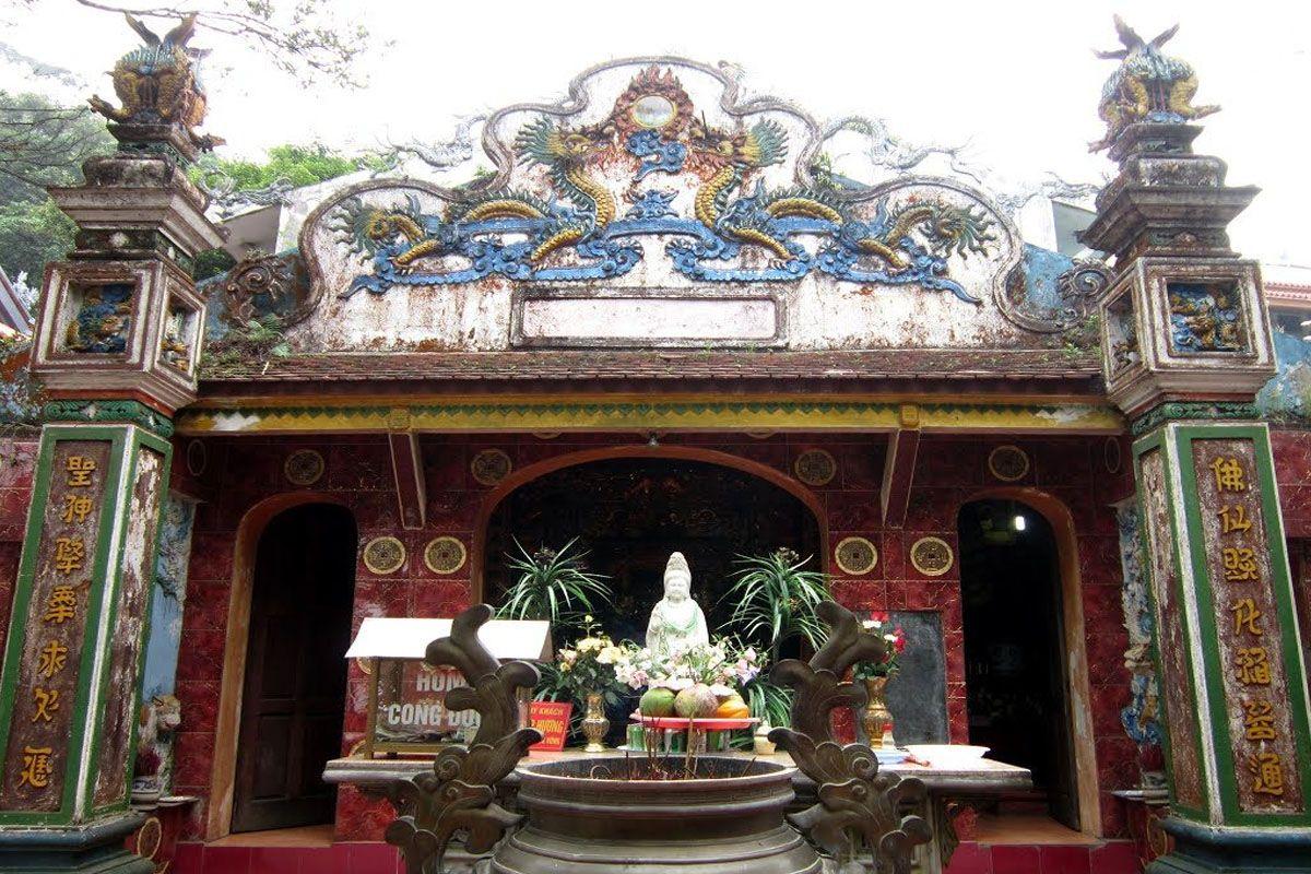 Hành hương tại đền Lĩnh Chúa Linh Từ