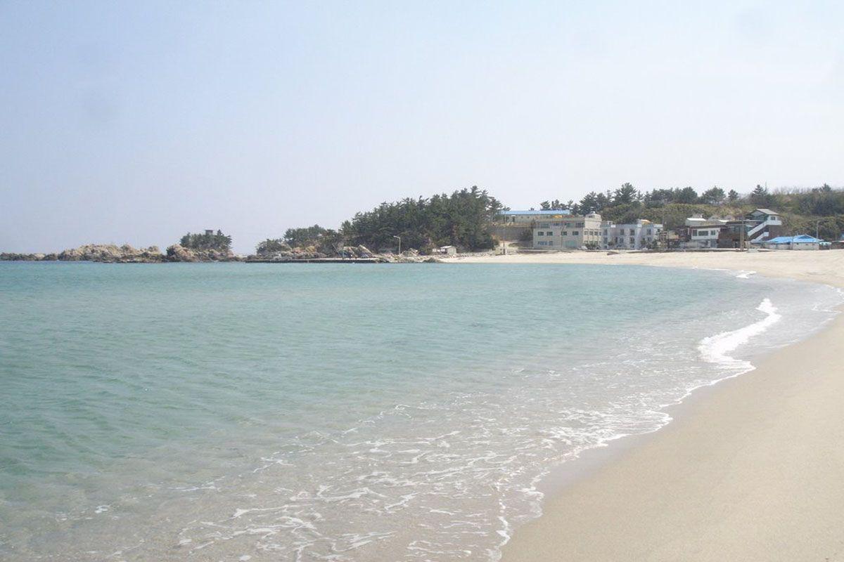 Bãi biển Yonghwa