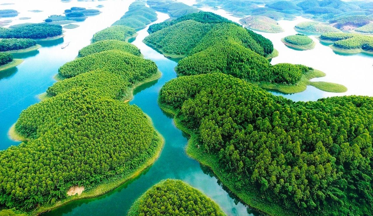 Hạ Long trên núi - Hồ Thác Bà
