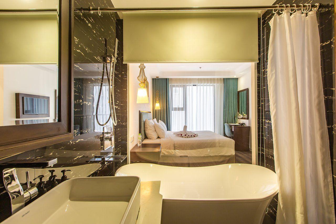 Adaline Hotel & Suit