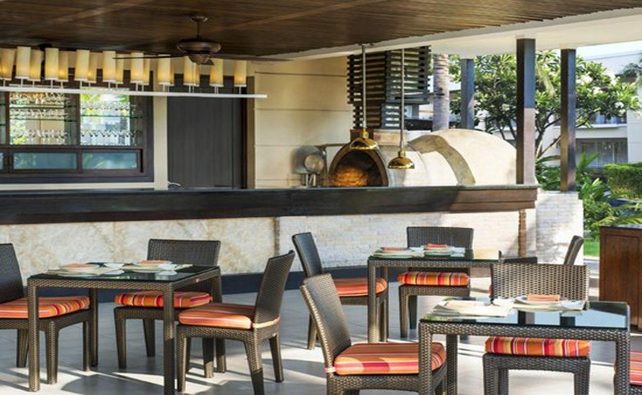Salas Pool Restaurant