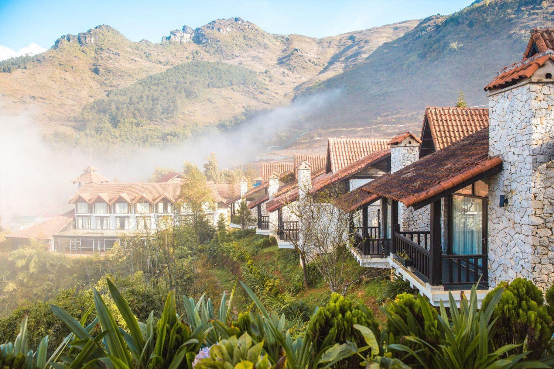 Ban công hướng sườn đồi của các căn phòng Sapa Jade Hill Resort & Spa