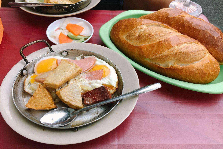 Bánh mì Hòa Mã
