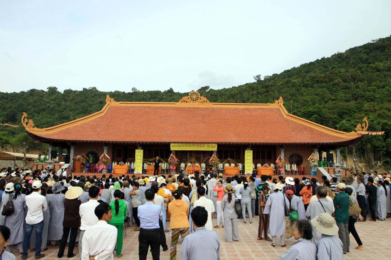 Những điều có thể làm tại chùa Hộ Quốc