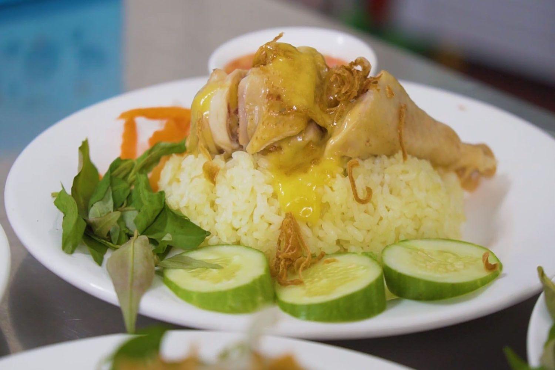 Cơm gà xối mỡ Nhật Phát - Vũng Tàu