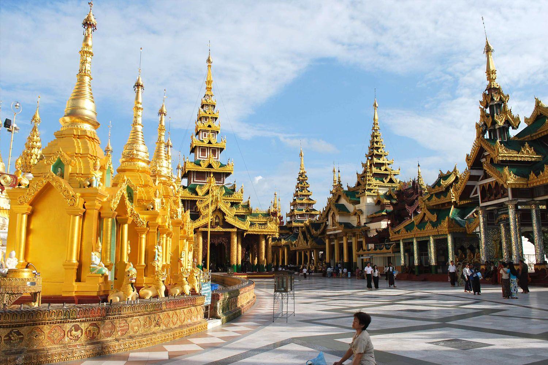 Đất nước chùa Vàng
