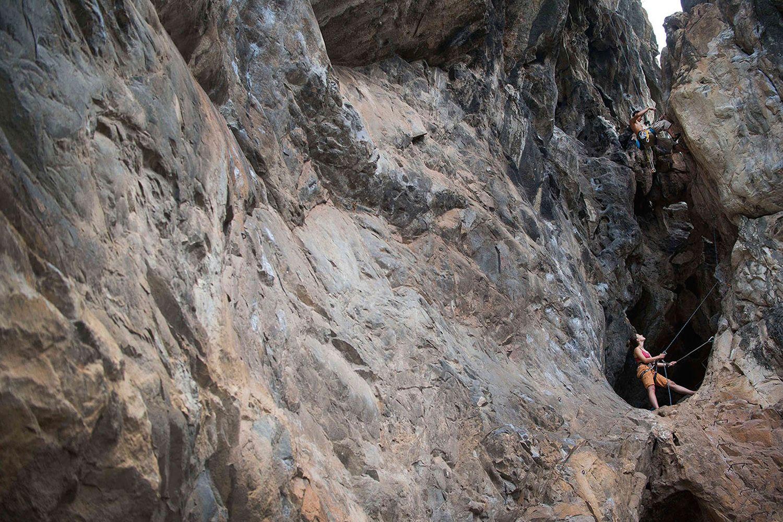 Leo núi đá ở Chiang Mai