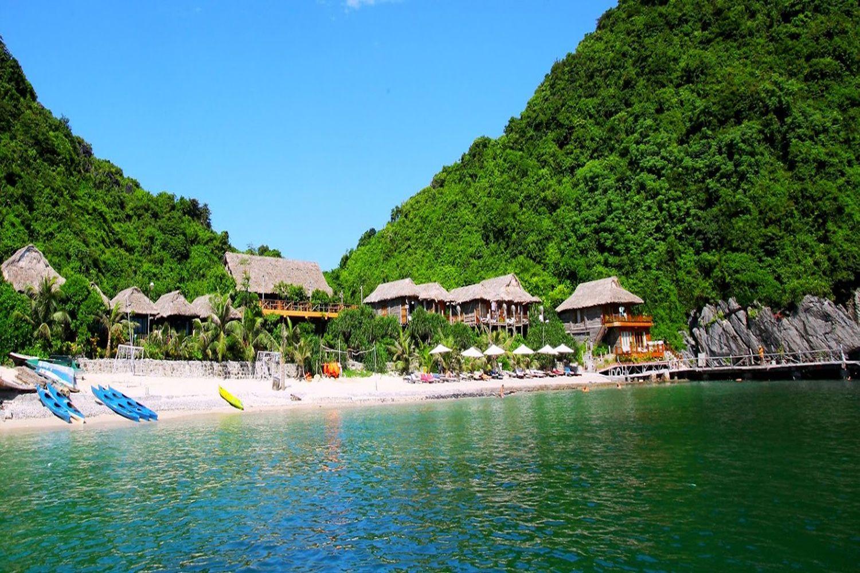 Bãi tắm Cát Dứa đẹp nhất ở Đảo Khỉ