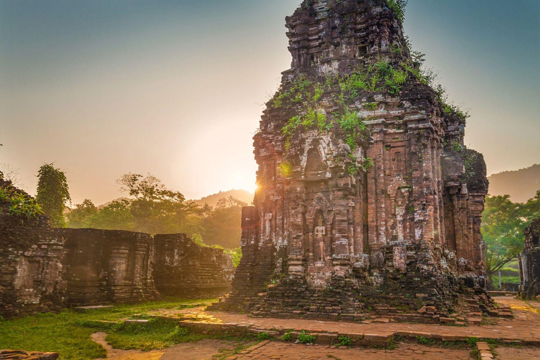 Du lịch Chu Lai du khách không thể bỏ qua Cung thánh Mỹ Sơn