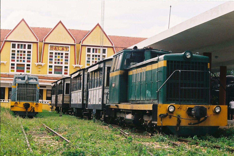 Du lịch đi Trại Mát bằng xe lửa cổ
