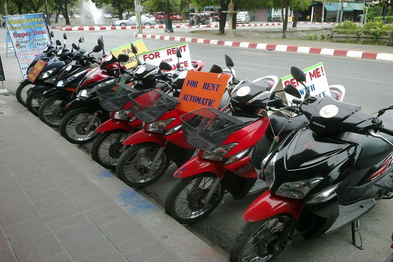 Thuê xe máy của các cửa hàng tư nhân