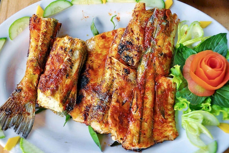 Cá xương xanh nướng bẹ chuối