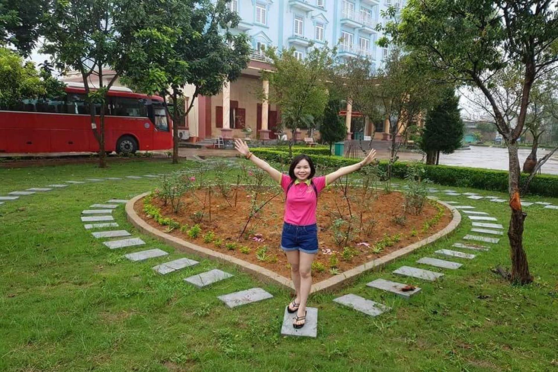 Khuôn viên Khách sạn Sao Xanh