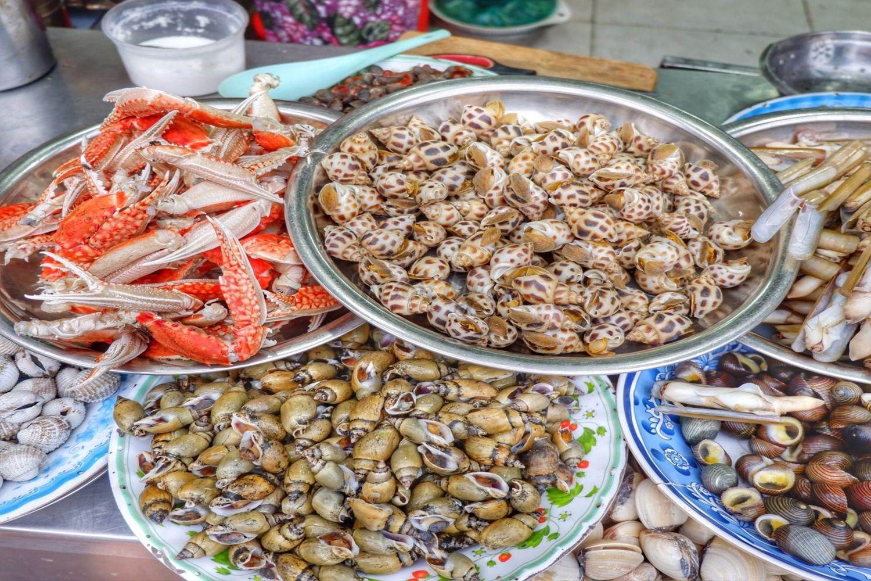 Ốc và hải sản ở Bùi Viện