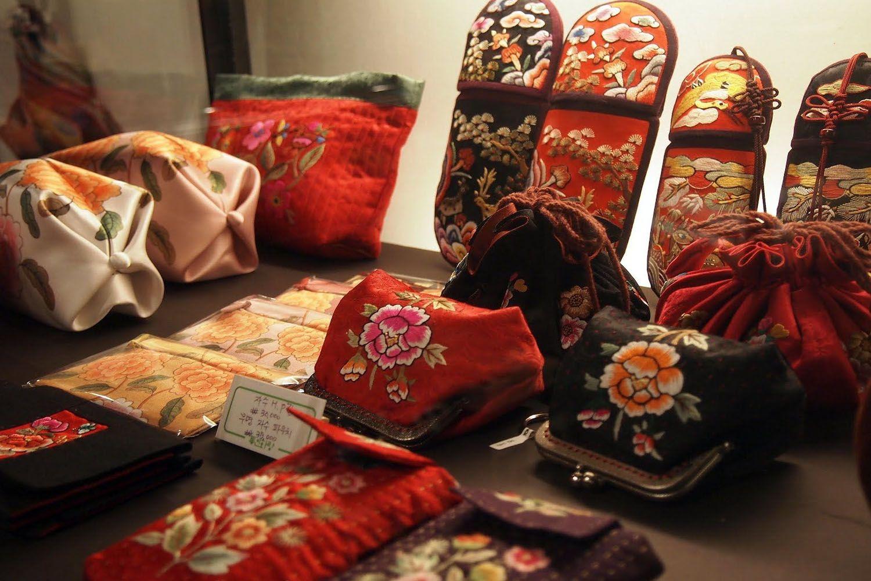 Quà lưu niệm và đồ handmade