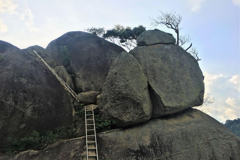 Leo núi Datuk