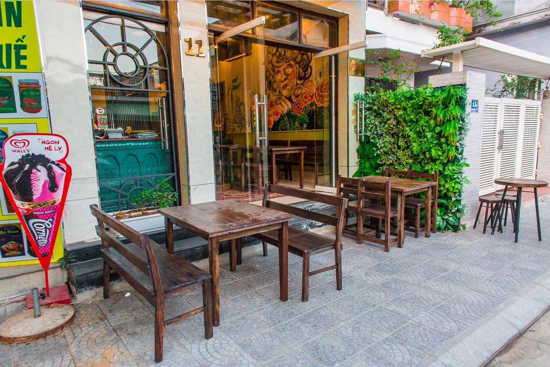 Amona Hotel cũng hệ thống nhà hàng, quán bar phục vụ cho du khách