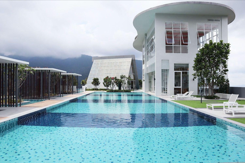 Bể bơi ở khách sạn Swiss Garden