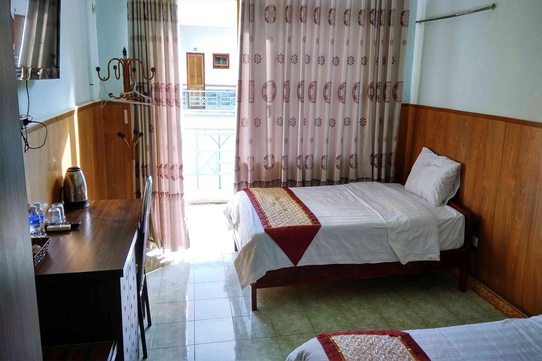 Phòng ngủ Khách sạn Hương Sen Mộc Châu